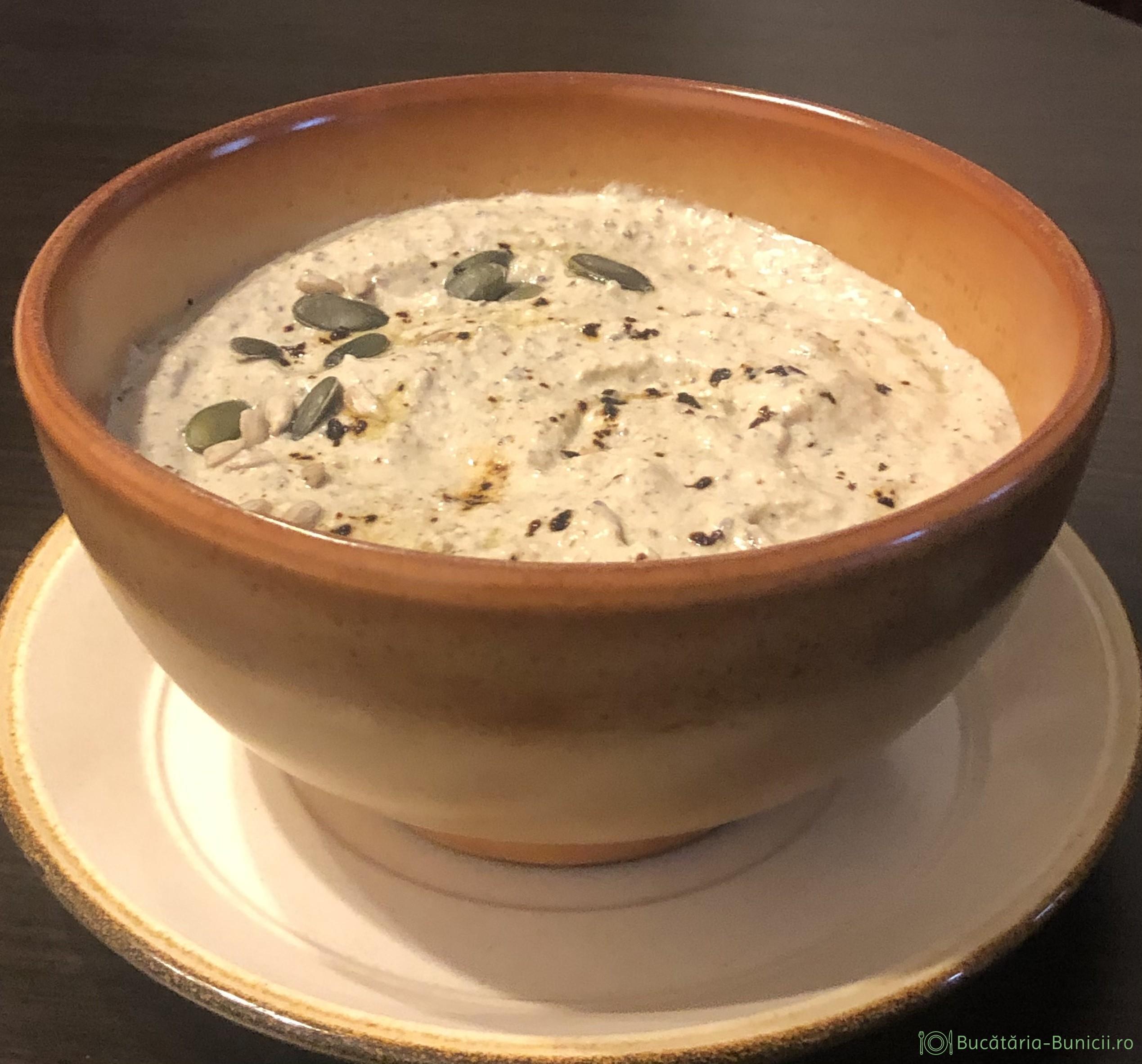 Pasta tartinabila cu tofu și seminte