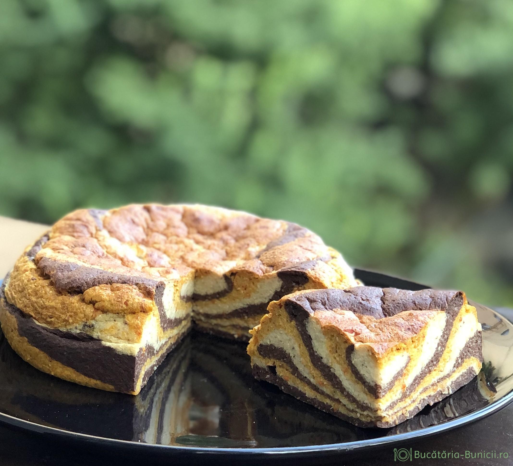 Cheesecake copt in trei culori