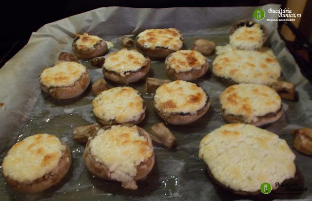 Ciuperci cu branza la cuptor