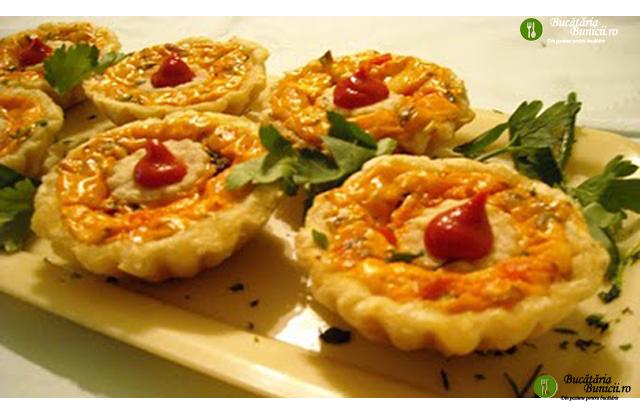 Cosulete aperitiv cu branza, masline si ciuperci
